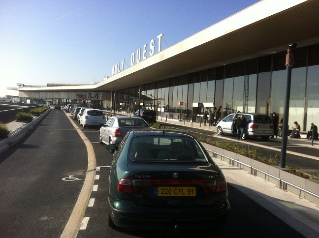 Liberty Trans taxi moto à l'aéroport d'Orly