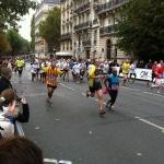 Photographie prise lors de l'arrivée des coureurs du 20 km de Paris