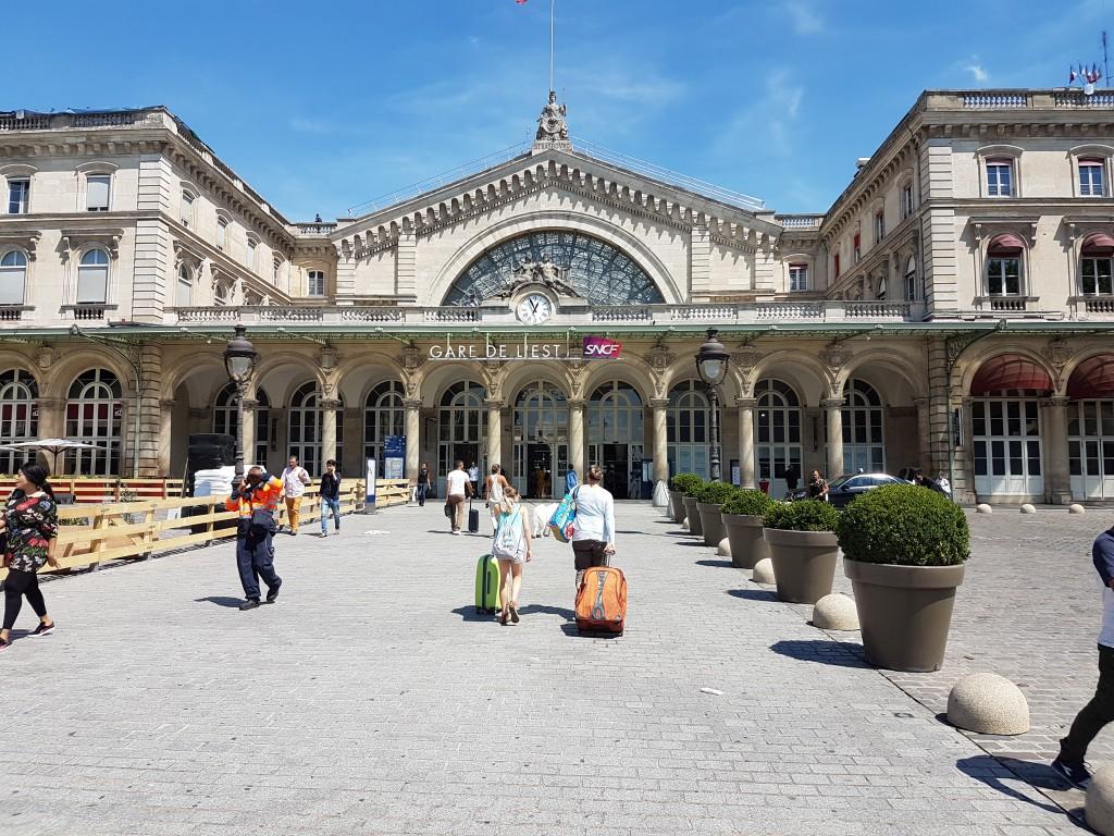 Point de rendez-vous Gare de l'Est Paris VTC taxi moto