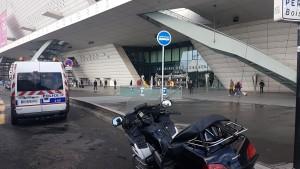 VTC Taximoto Palais des congres 2 Place de la Porte Maillot 75017 Paris
