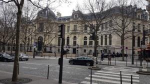 VTC Taxi moto taxi scooter Paris avenue de Friedland 75008